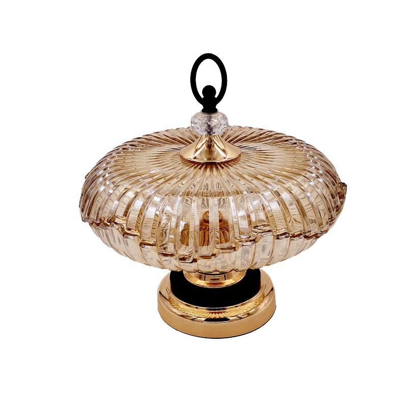 Bonbonnière en cristal doré